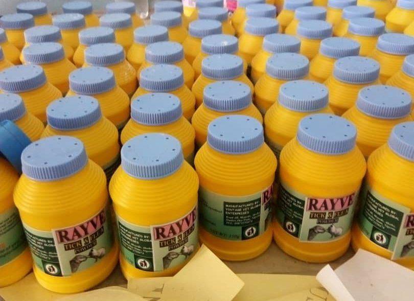 Rayve tick and flea powder